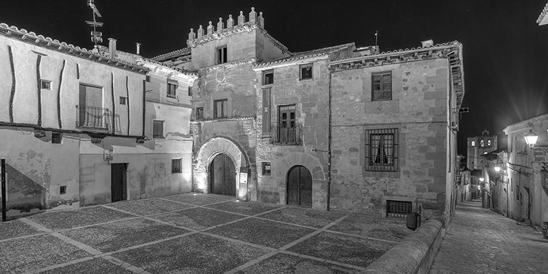 Los tesoros ocultos de la Casa del Doncel y del caserío seguntino en los recintos amurallados